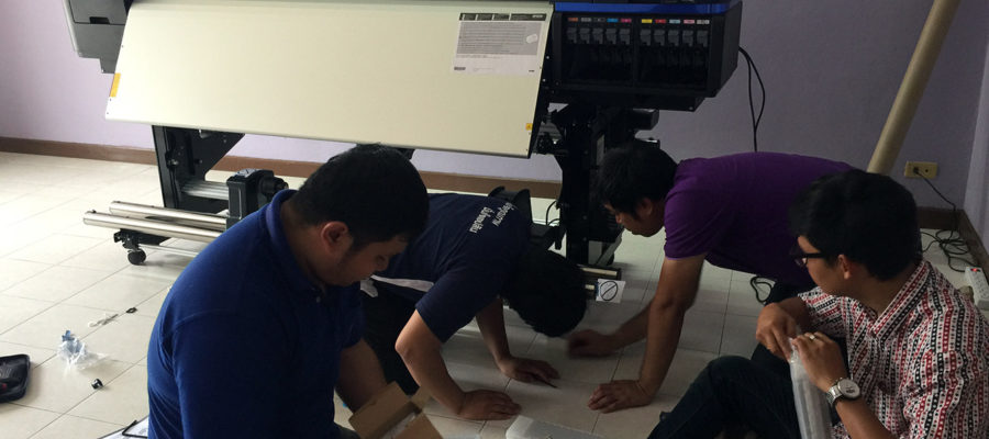 uPrinter installation team Epson LFP Expert (5)